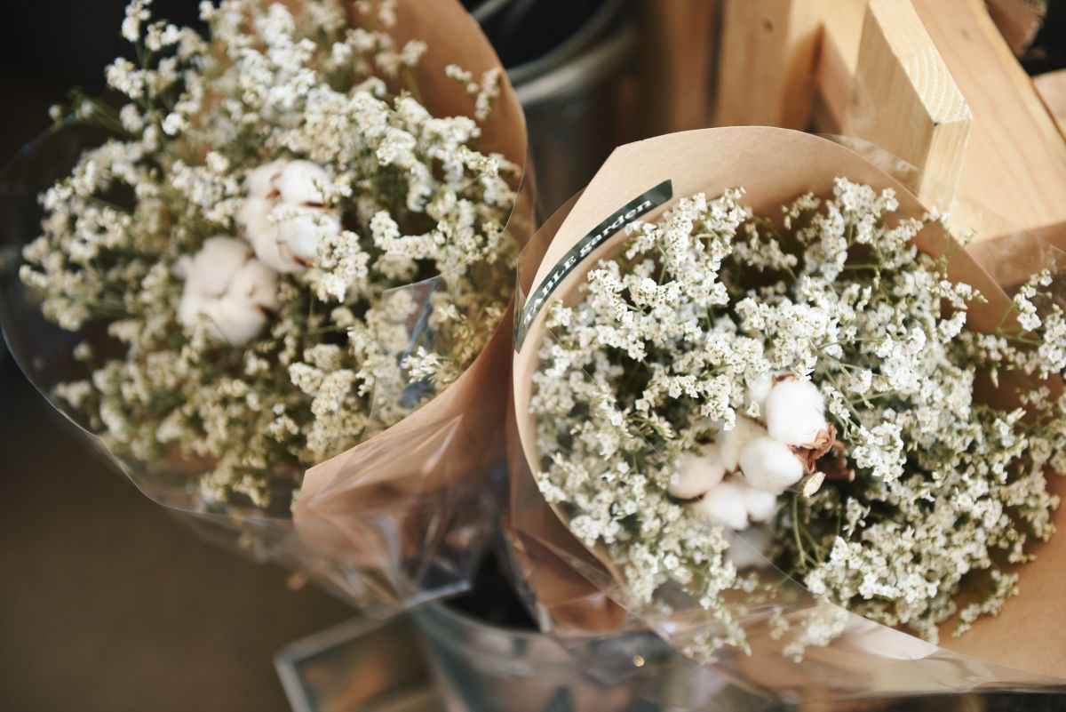 trendy ślubne kwiaty 2019 gipsówka